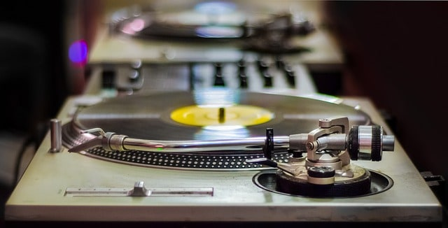 A classic looking DJ turntable